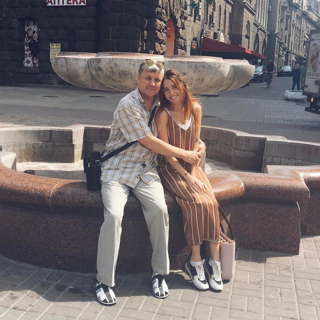 Как подпруги: Надежда Дорофеева показала свою молодую маму