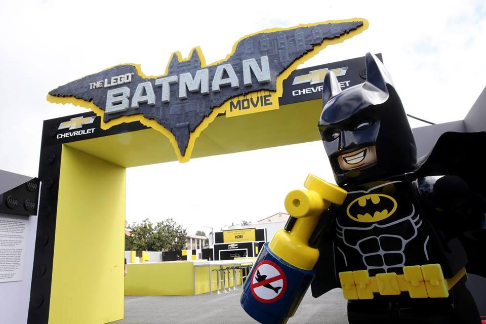 """Мэрайя Кэри блистает в наряде Gucci на премьере """"Лего. Бэтмен"""""""