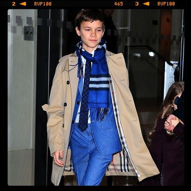 Красавчик в синем костюме: сын Виктории и Дэвида Бекхэма Ромео покоряет Нью-Йорк