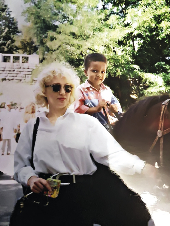 Жан Беленюк с мамой