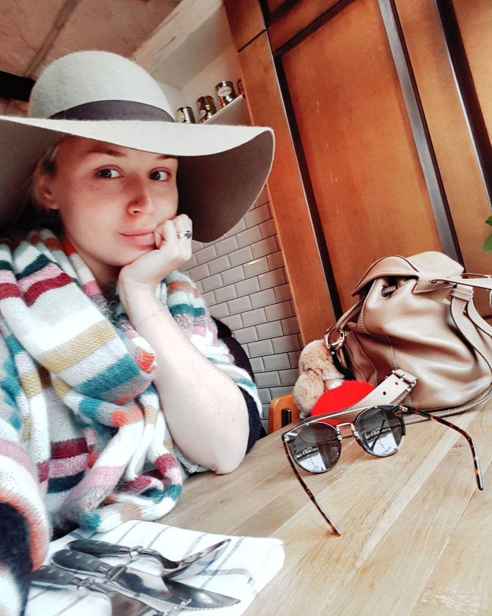 Беременная Полина Гагарина показала лицо без косметики