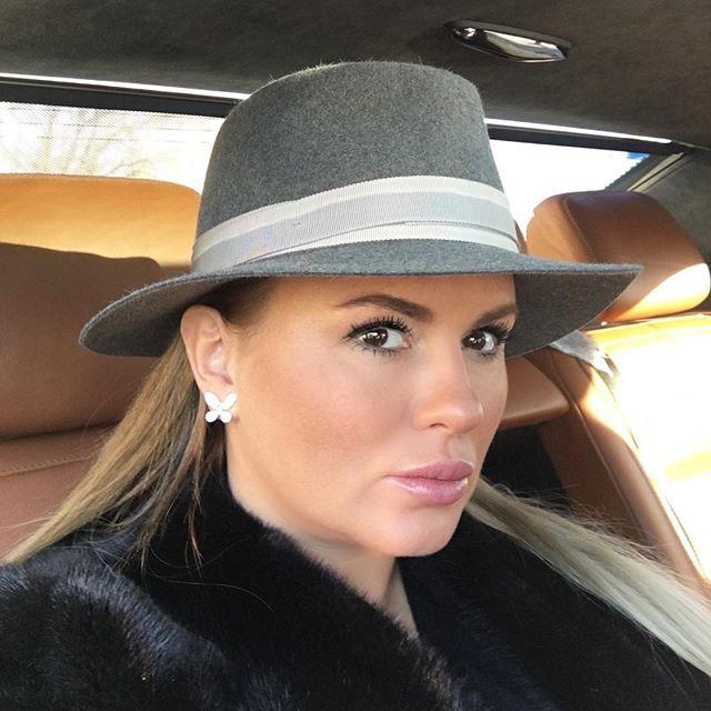 Анна Семенович хочет взять ребенка из детского дома