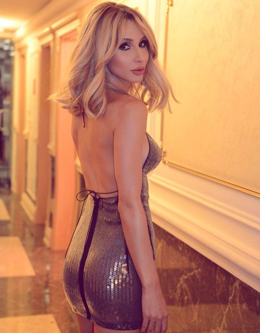Светлана Лобода вышла в свет в прозрачном платье