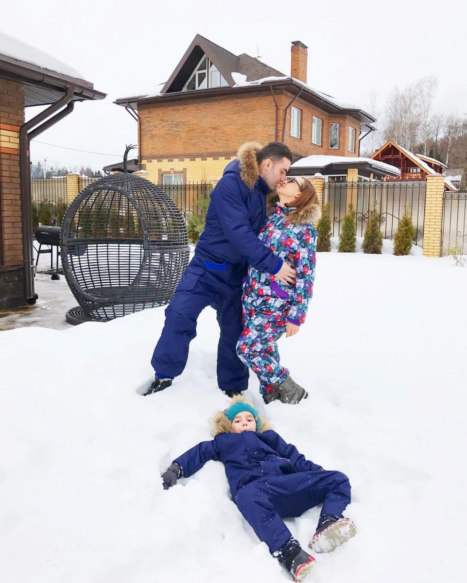 Конец счастливому браку? Анфиса Чехова намекнула на развод со своим красавцем-мужем