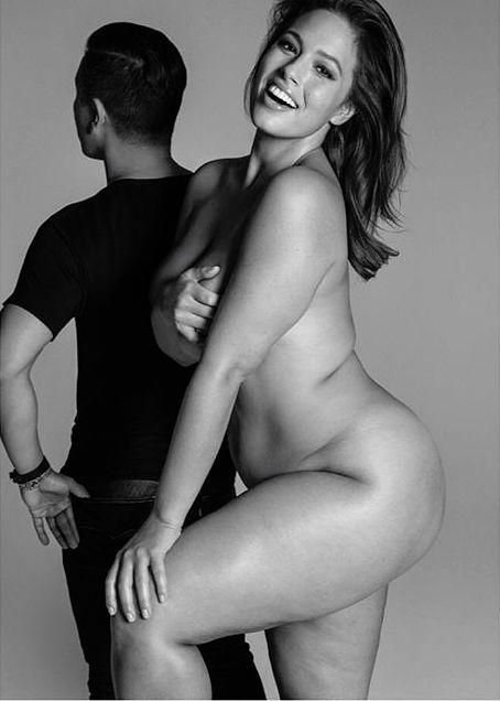 """Модель plus-size Эшли Грэм о бывших парнях: """"Они бросали меня, так как боялись, что я стану толще"""""""