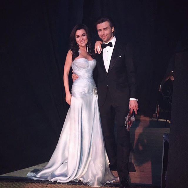 А как же муж: Анастасия Заворотнюк отметила день рождения без Петра Чернышева