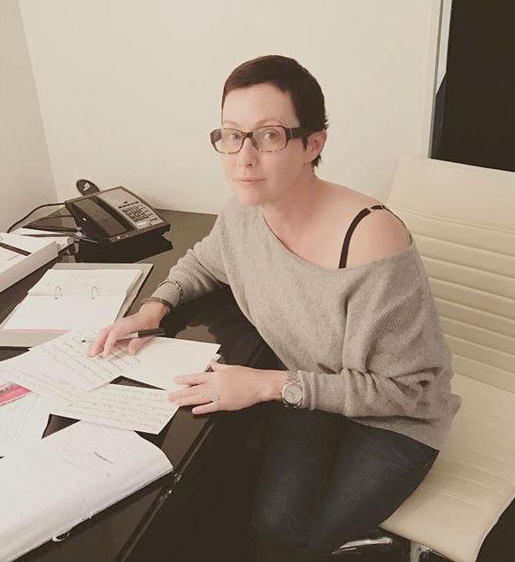 Фотофакт: Шэннен Доэрти похорошела после химиотерапии