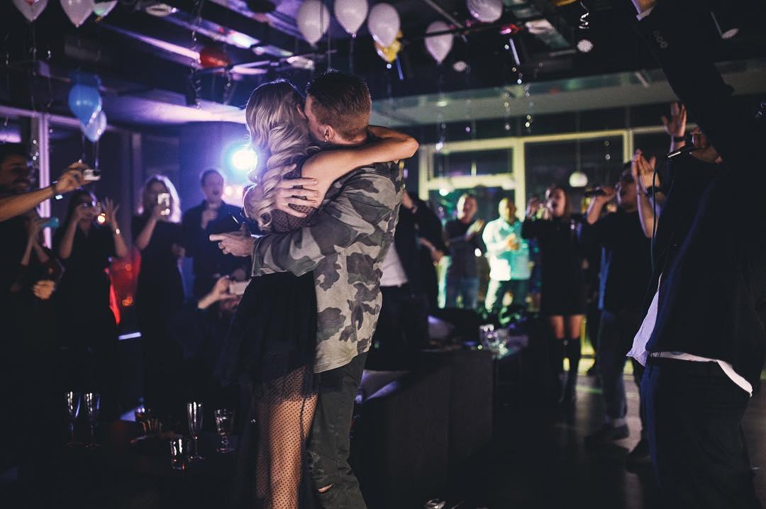 Внук Аллы Пугачевой рассказал о своей роскошной свадьбе на природе