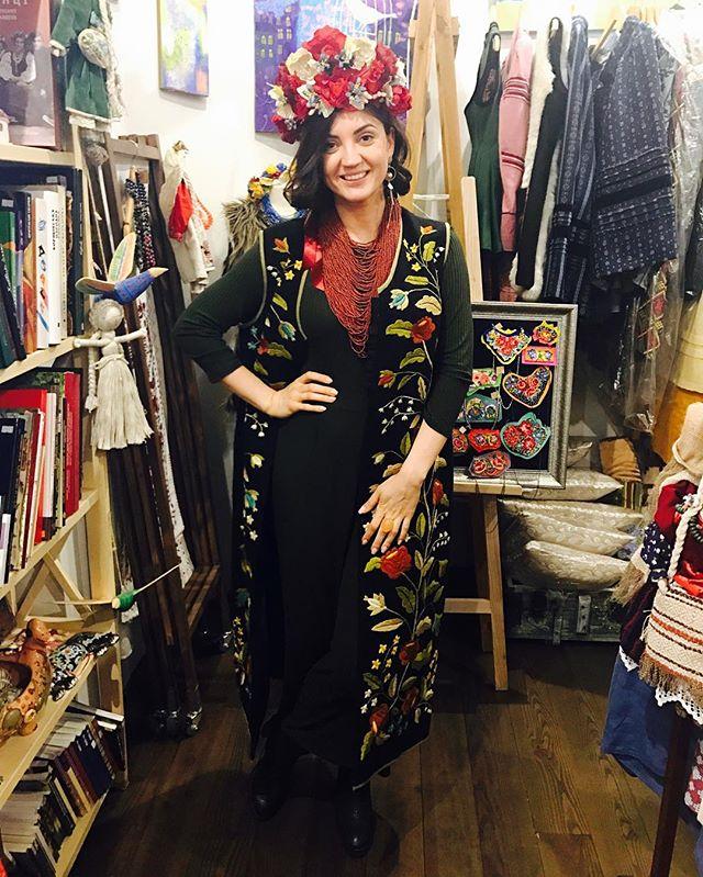 Ничего себе платье: Оля Цибульская примерила традиционный свадебный наряд украинок