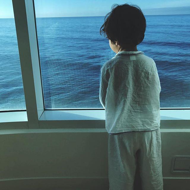 В сети появилось умилительное фото подросшего сына Холли Берри