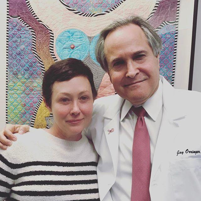 """Шэннен Доэрти рассказала о ремиссии рака: """"Я собираюсь начать дышать"""""""