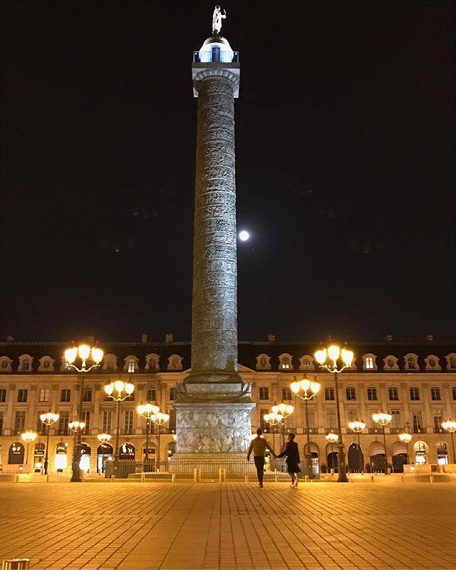 Привет, Франция: Джастин Теру и Дженнифер Энистон отдыхают в Париже