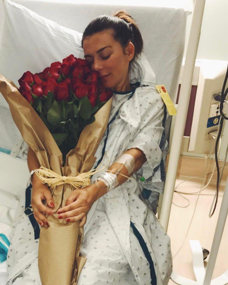 Поклонники беспокоятся о здоровье Анны Седоковой после третьих родов