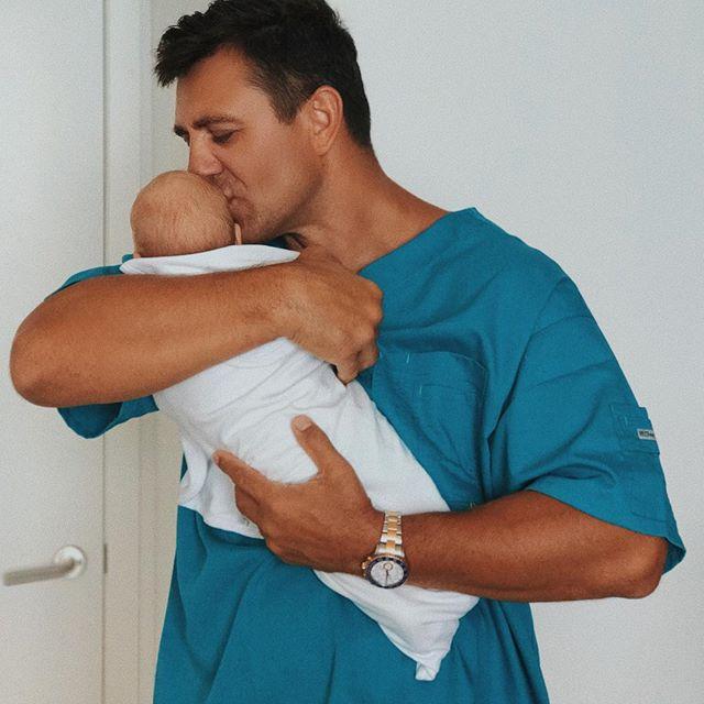 Папа может все: Николай Тищенко поделился новым фото с новрожденным сыном