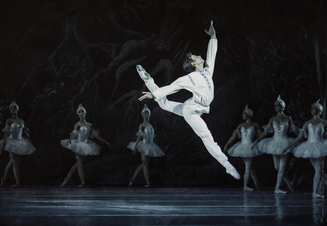 Влада Литовченко, Дмитрий Ступка, Тоня Матвиенко и Арсен Мирзоян: звезды посетили открытие балетного сезона