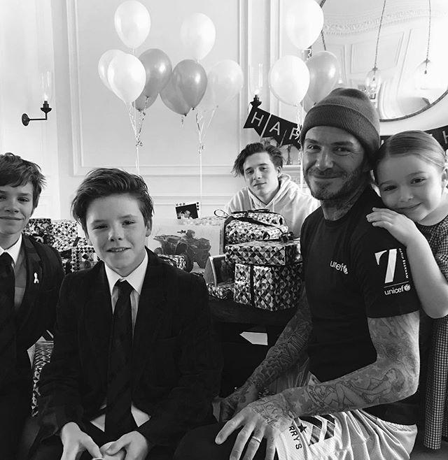 Вот это любовь: супруга и дети Дэвида Бекхэма трогательно поздравила его с днем рождения