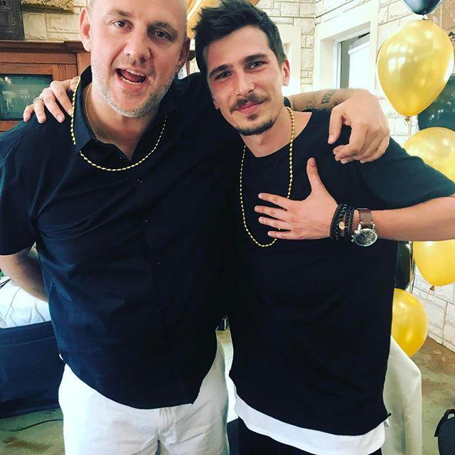 Америка, купальники и веселая компания: Настя Каменских опубликовала фото со дня рождения Потапа