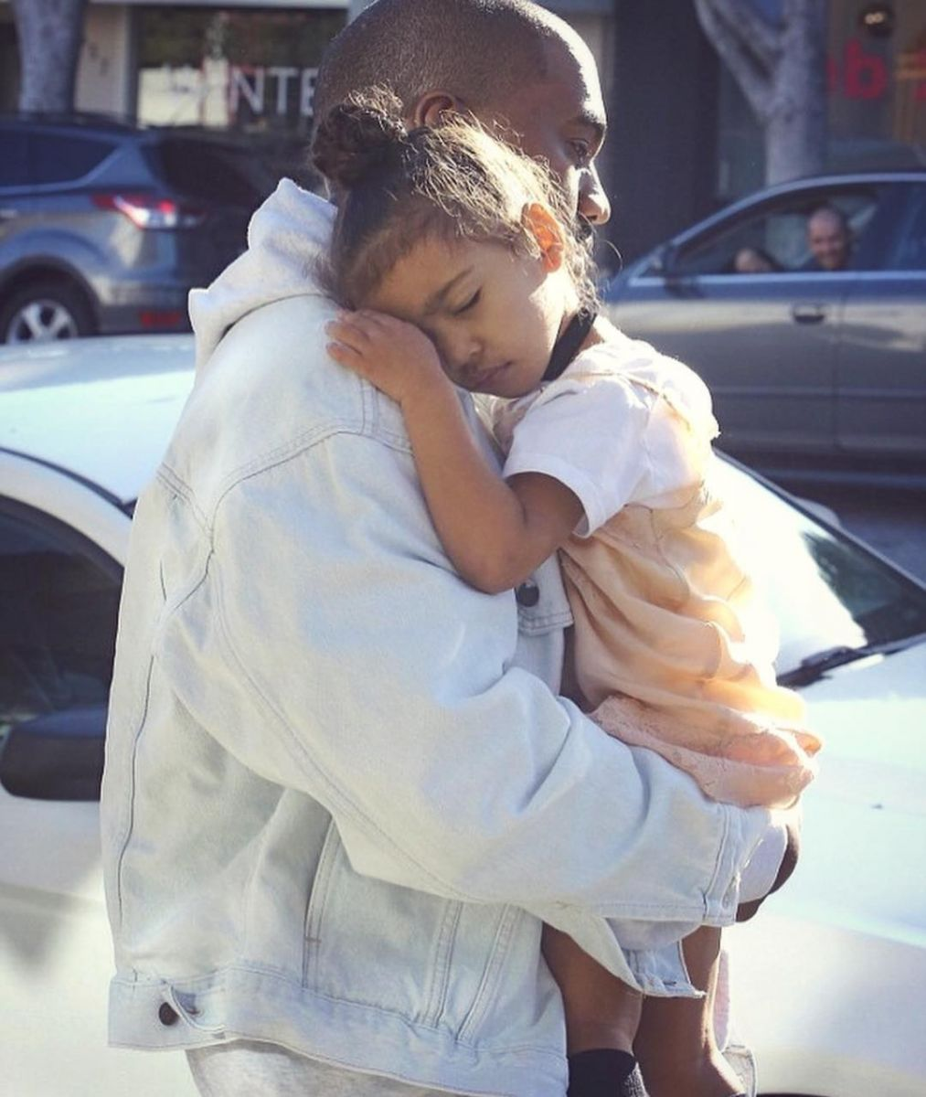 Ким Кардашьян в третий раз станет мамой уже в начале следующего года - СМИ
