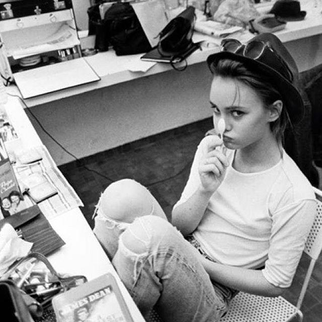 Дочь Джонни Деппа решила жить со своим 25-летним возлюбленным - СМИ