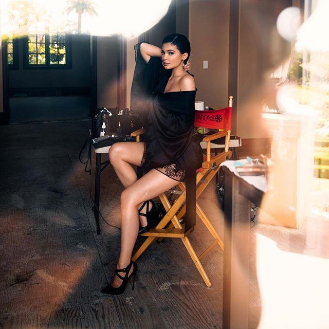 Изысканный соблазн: Кайли Дженнер снялась в новой фотосессии