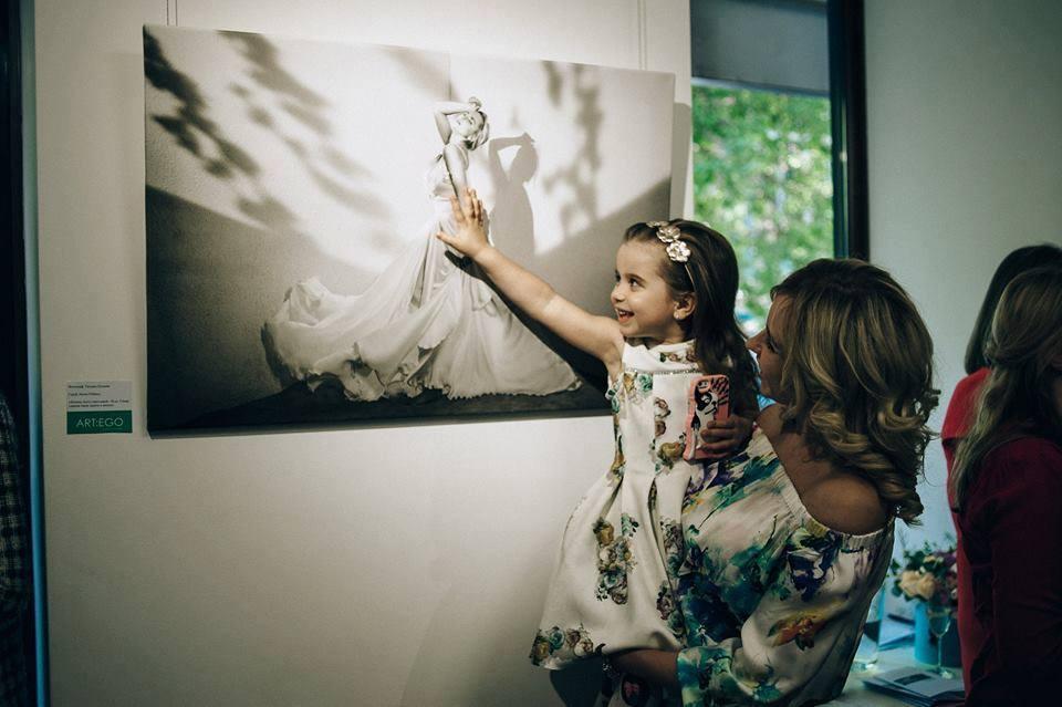 Katya Chilly с сыном и Лилия Ребрик с семьей: звезды на открытии фотовыставки