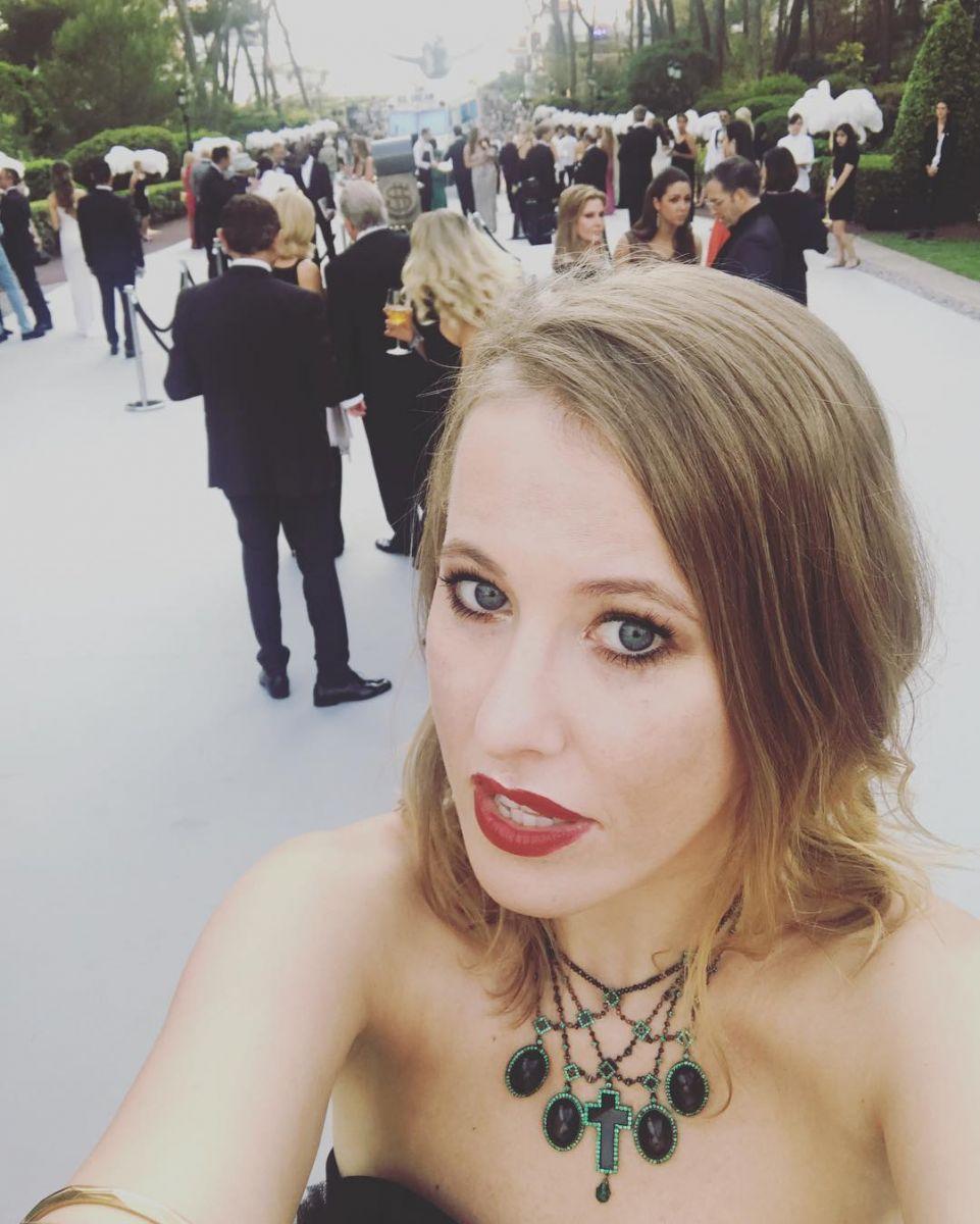 С эффектом грязных волос: в сети осудили новую прическу Ксении Собчак