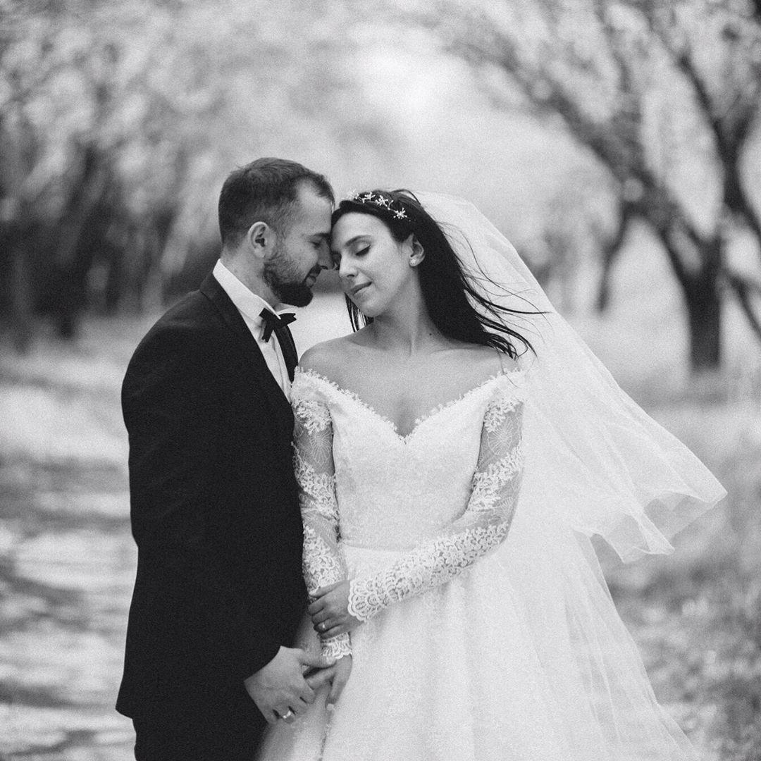 Так здорово быть твоей женой: Джамала засыпала сеть новыми свадебными фотографиями