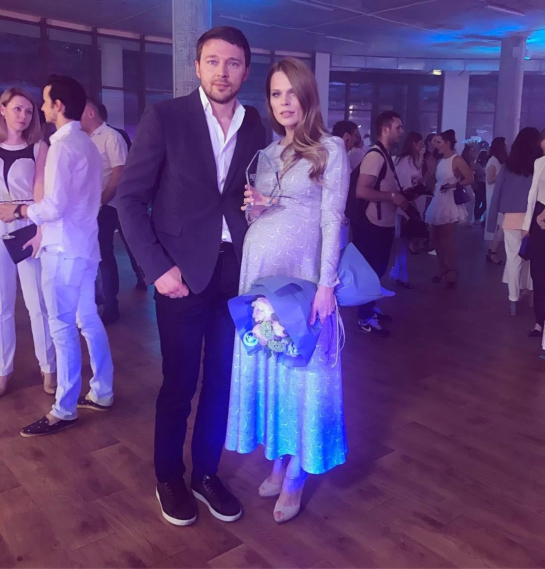 Ольга Фреймут опубликовала первое фото новорожденной дочери Евдокии