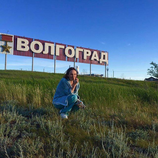 Сама естественность: 38-летняя Альбина Джанабаева восхищает лицом без косметики