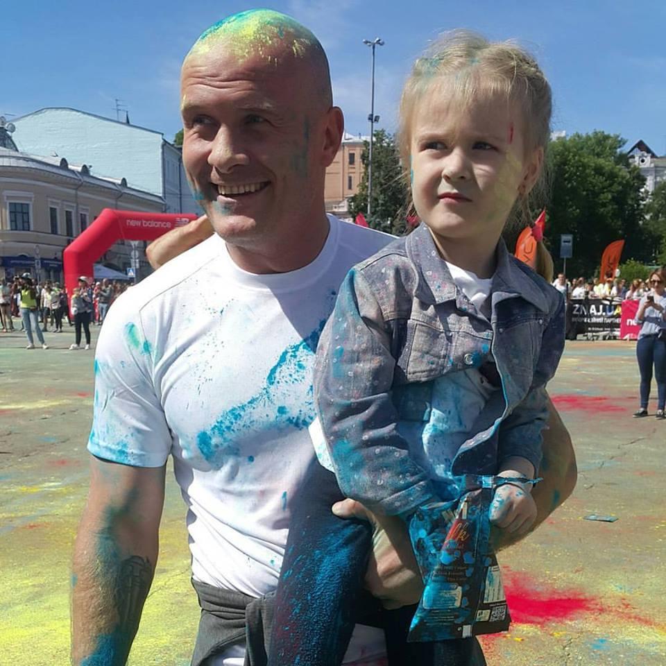 Вячеслав Узелков показал новую ведущую Зважені та щасливі 7