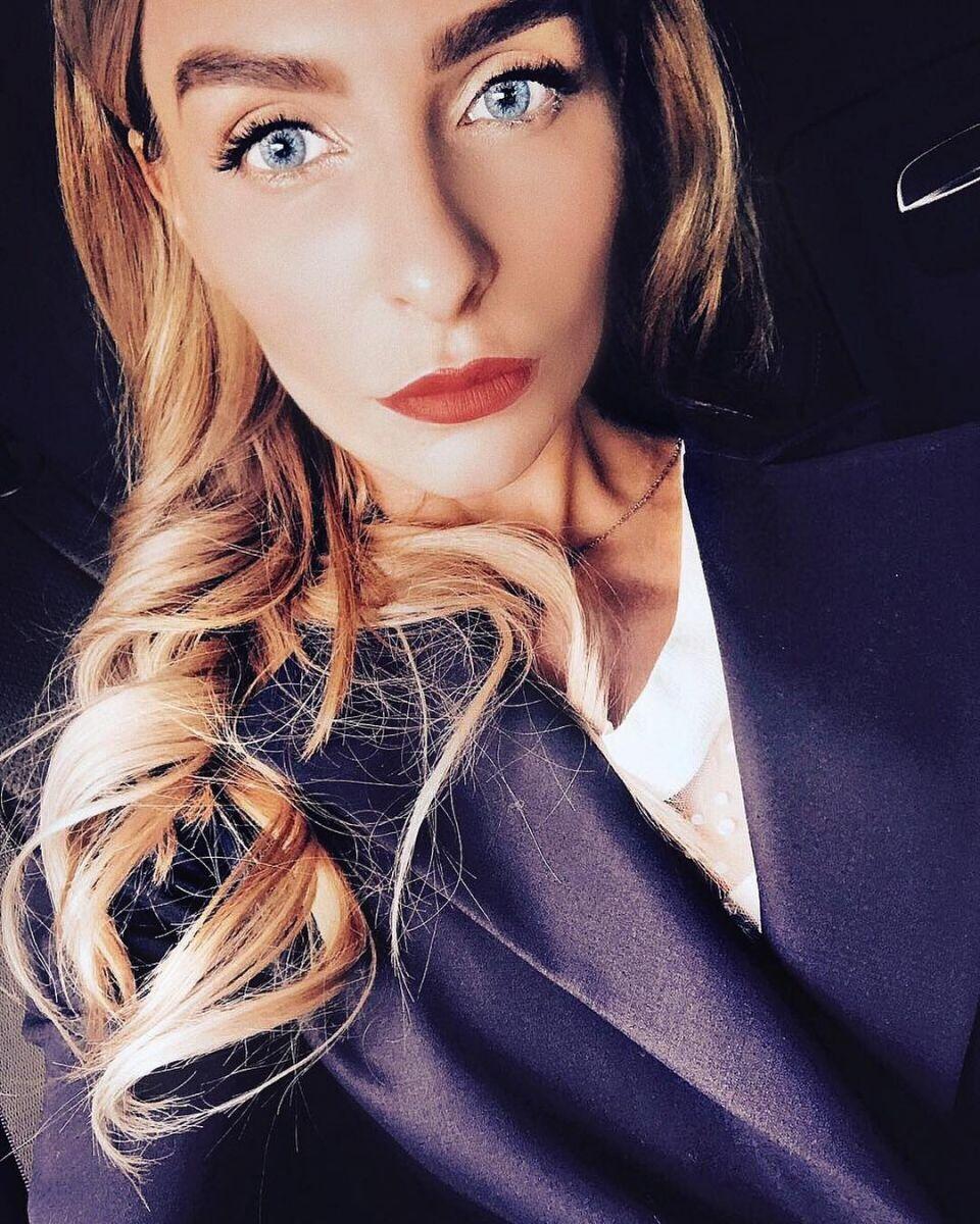 А губы-то пропали: в сети обсуждают естественное лицо Кати Варнавы