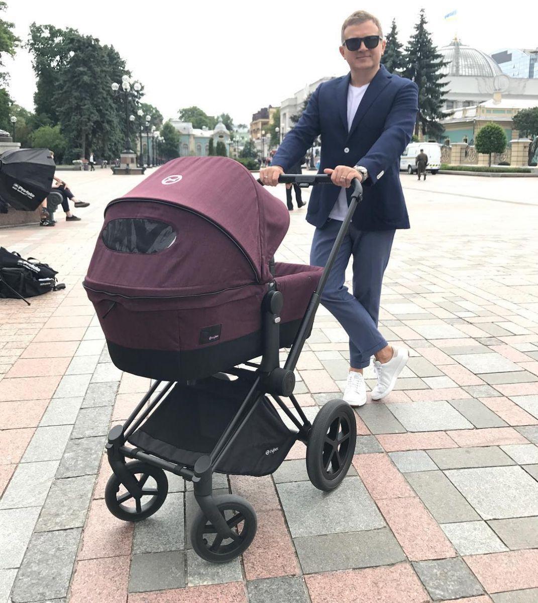 Катя Осадчая и Юрий Горбунов поделились первыми фото сына Вани