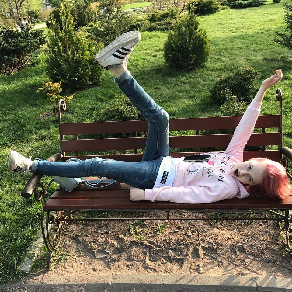 Дочь Александра Педана перекрасила волосы в розовый цвет