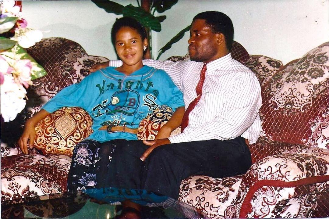 Юная Гайтана и ее отец