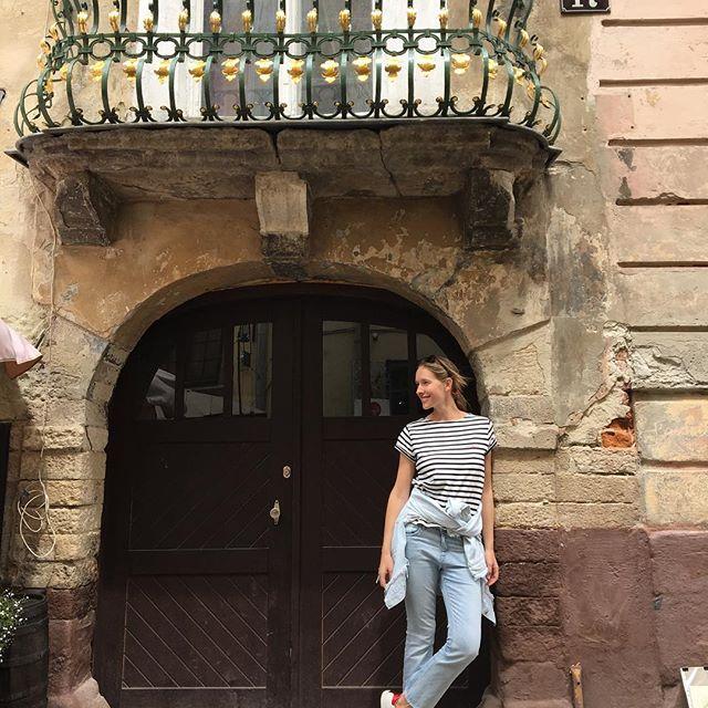 Катя Осадчая прогулялась с маленьким сыном по Львову