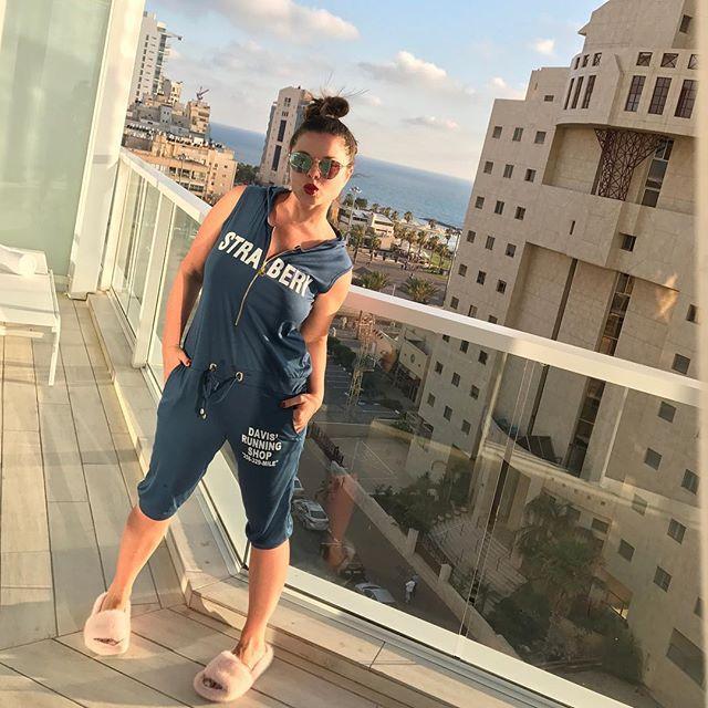Пляжное фото Наташи Королевой в бикини взорвало интернет