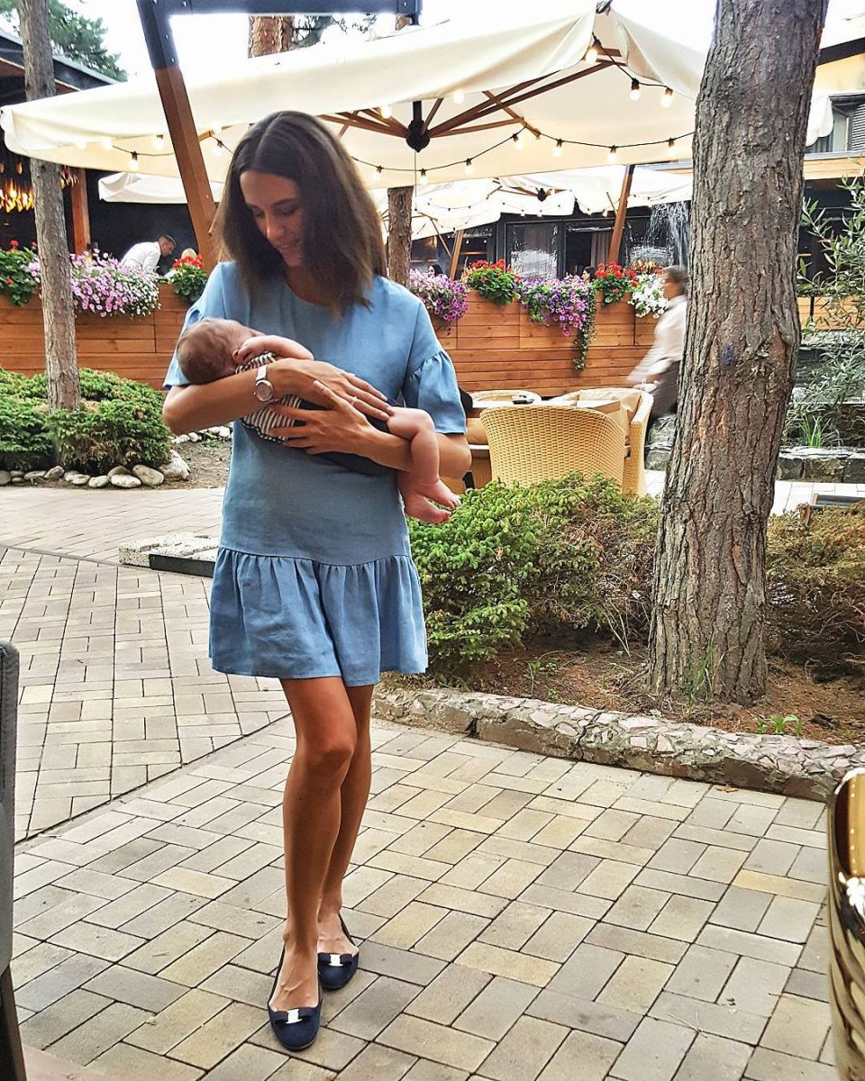 Весь мир в моих руках: супруга Григория Решетника показала новорожденного сына