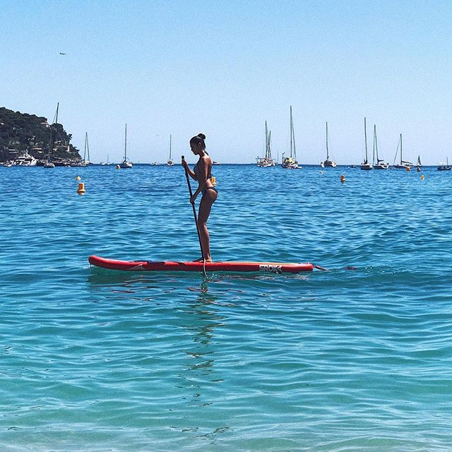 Принцесса пляжа бикинистиль Дианы  Marie Claire
