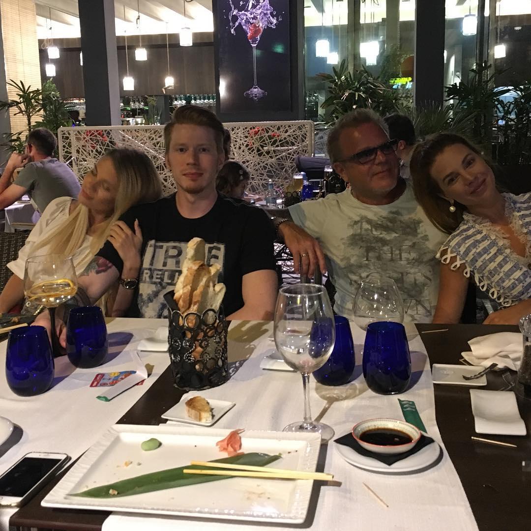 В предвкушении свадьбы: Владимр Пресняков встретился со своим старшим сыном и его невестой
