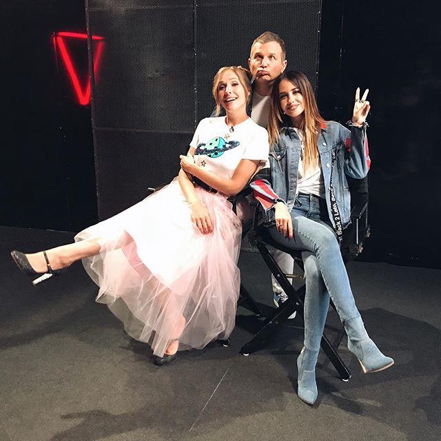 Звездное закулисье: Надя Дорофеева показала, как выглядит перед выходом на сцену