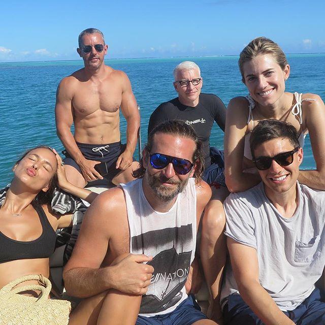 Фотофакт: Ирина Шейк отдыхает на Таити с Брэдли Купером