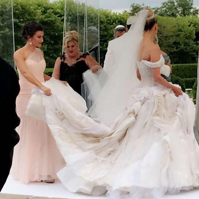 Теперь официально: Максим Чмерковский женился на Пете Мургатройд и устроил пышную свадьбу