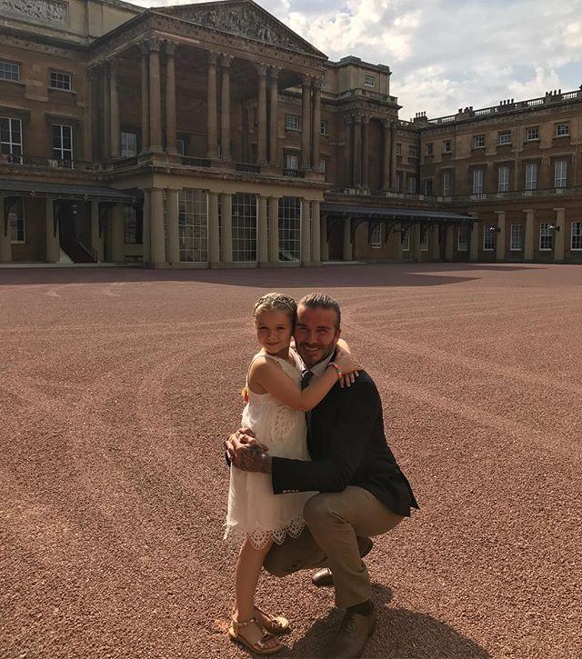 По-королевски: Харпер Бекхэм отпраздновала день рождения в Букингемском дворце