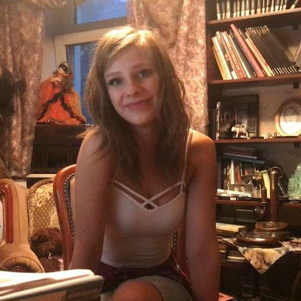 """Не узнать! Звезда """"Папиных дочек"""" Лиза Арзамасова выросла настоящей красоткой"""