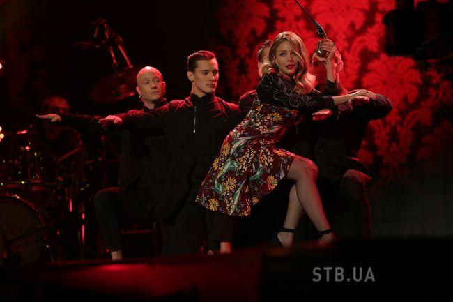Тина Кароль на шоу х фактор 4 фото платье 2013 2014