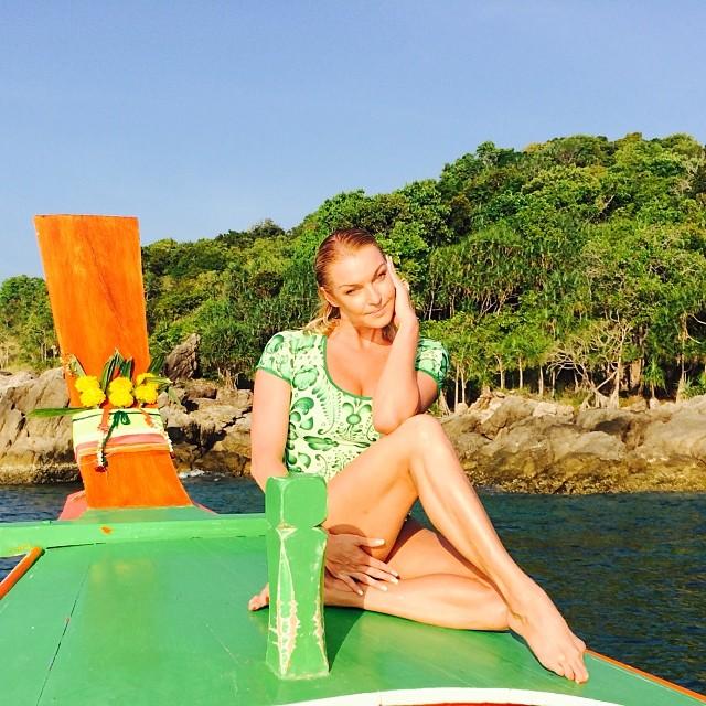 Анастасия Волочкова на пляже отдых фото 2014 инстаграм
