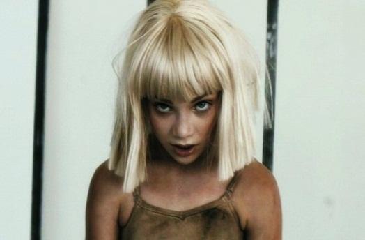 Шайа ЛаБаф снялся в провокационном клипе с 12-летней девочкой
