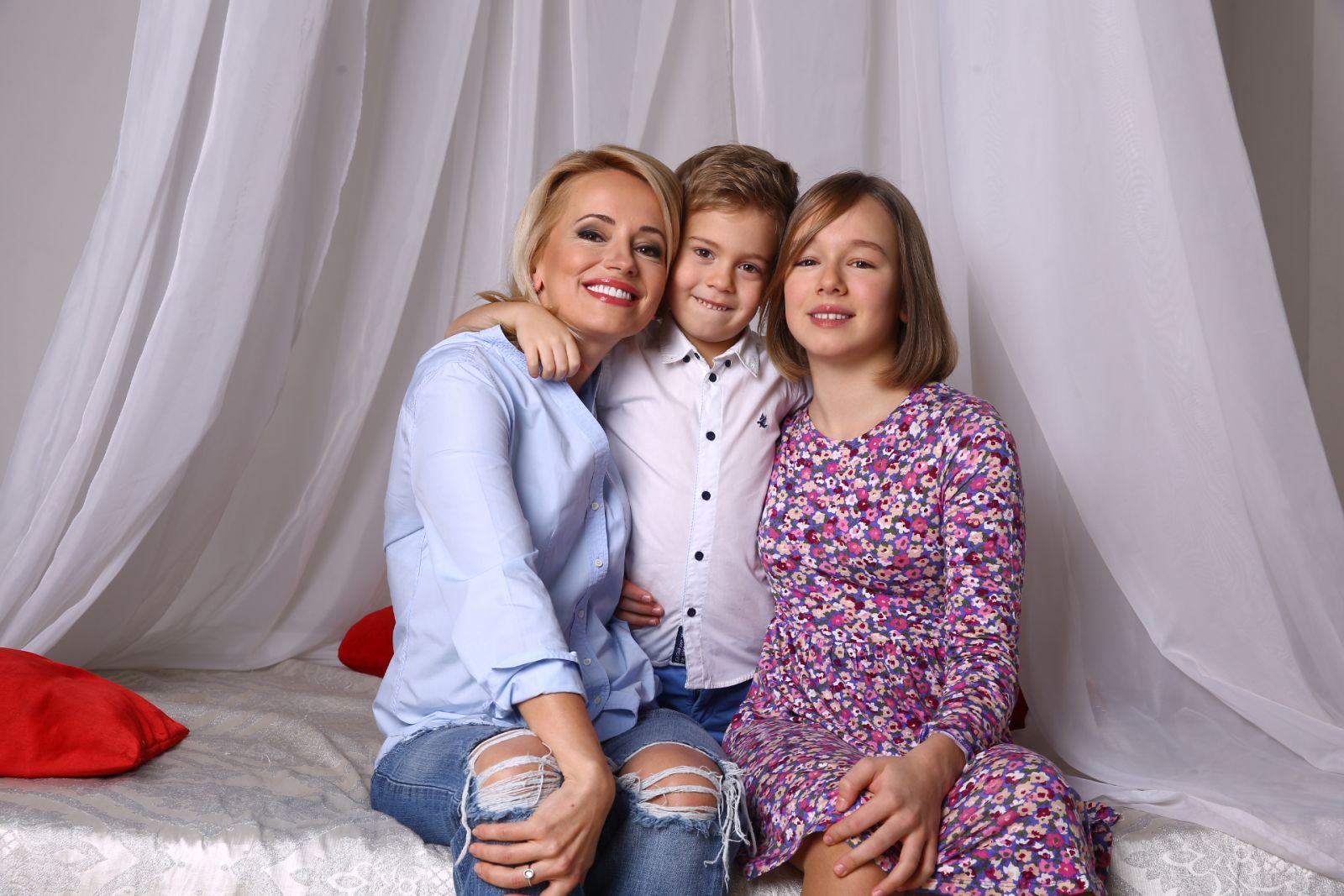 Оксана Гутцайт с детьми