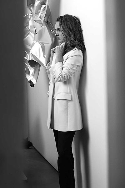 Нежный цветок: Натали Портман блистает в рекламе Dior