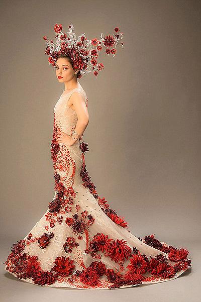 В сеть попали фото Милы Кунис в экзотическом свадебном наряде
